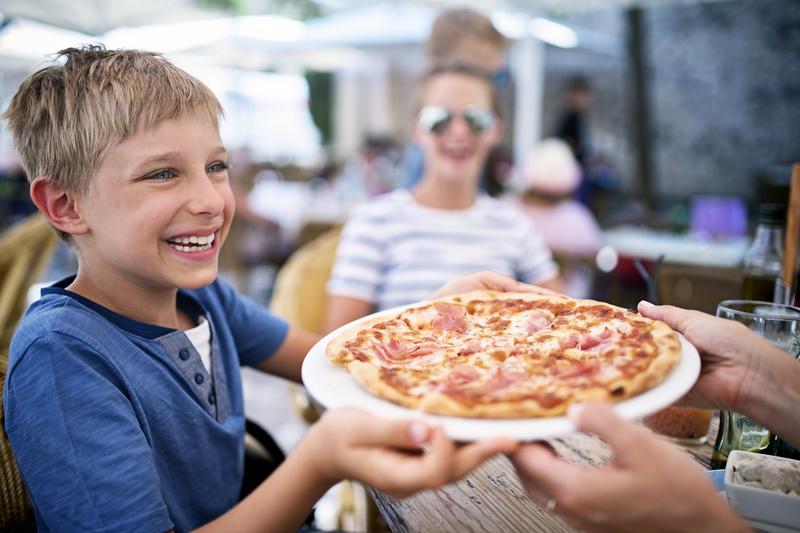 kids eat free days