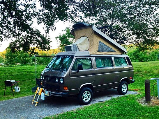 16 Super Groovy Vw Vans Buses You Have To See To Believe Cheapism Com