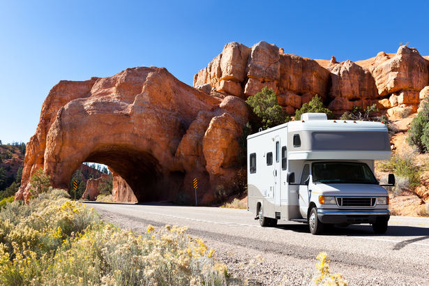 RV traveling through Bryce Canyon National Park