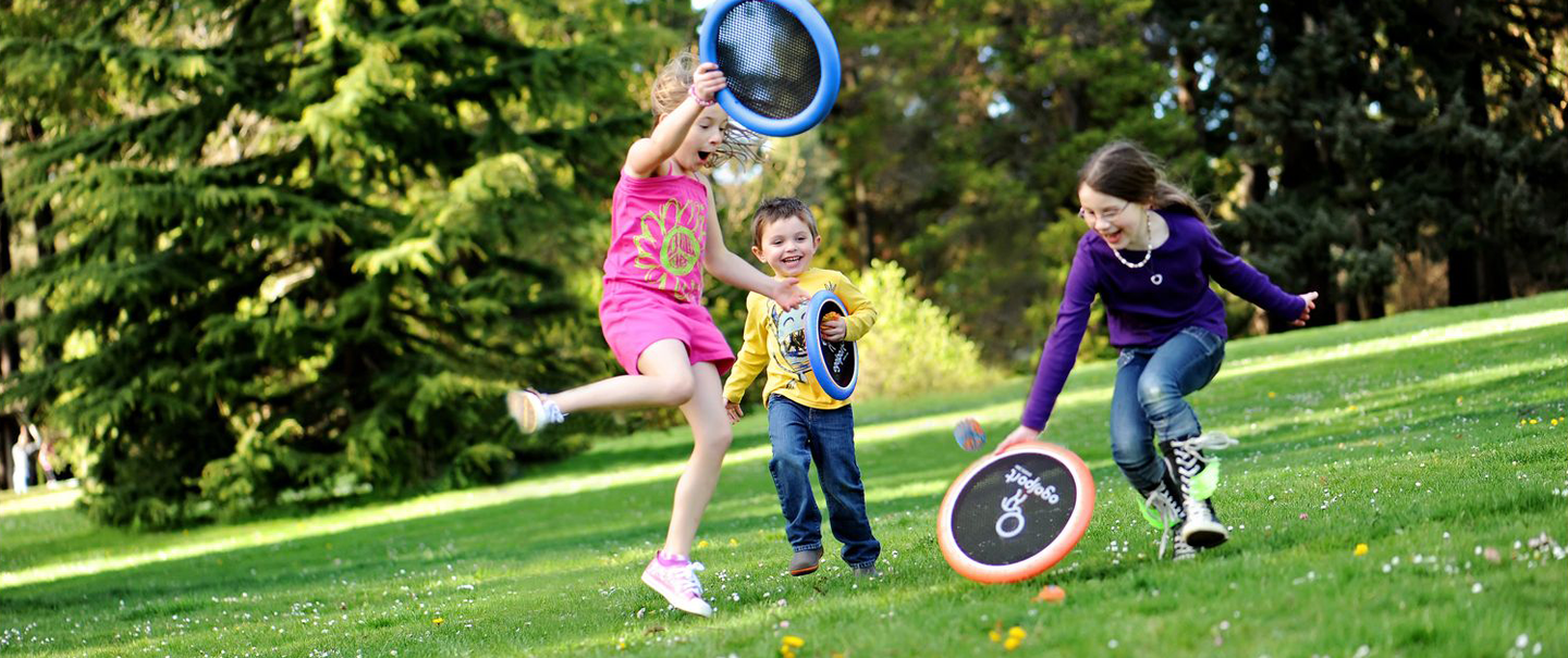 Best Outdoor Games To Entertain The Family Cheapism Com