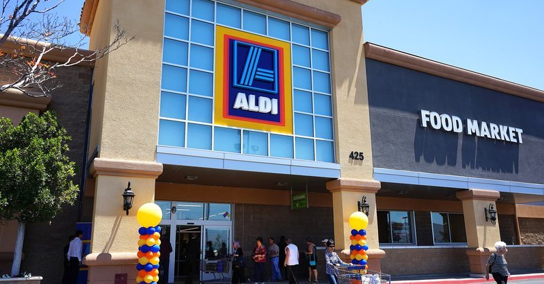 Shopping at aldi 27 surprising facts tips about aldi for Saldi mobili on line