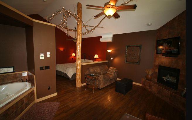 Arkansas: The Oak Crest Cottages & Treehouses
