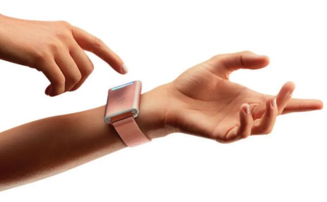 Embr Wave bracelet