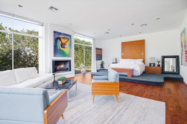 Frank Sinatra's estate bedroom