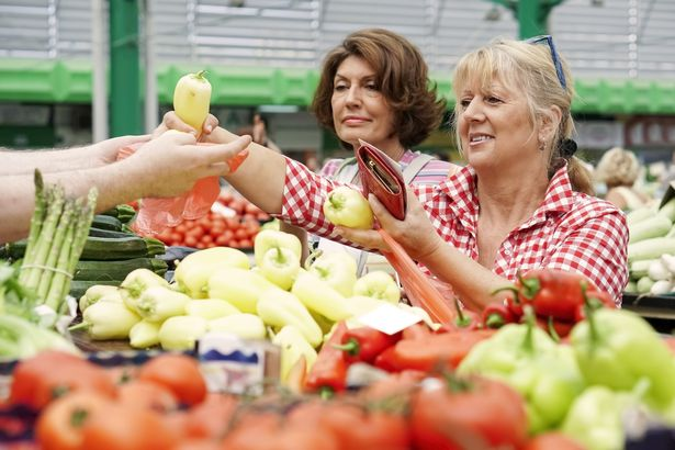 friends buying produce