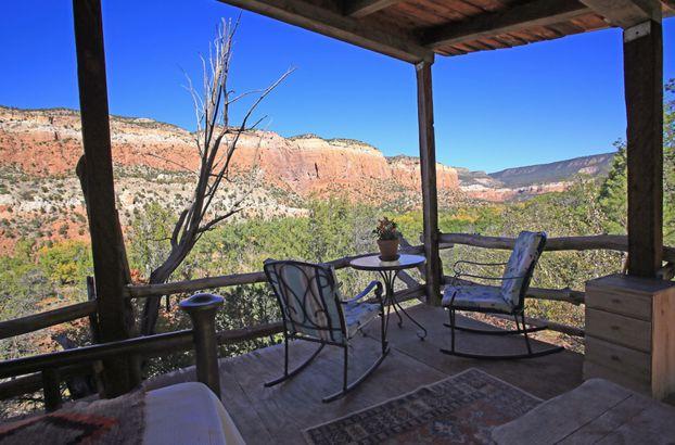 New Mexico: Gallina Cabin Wilderness Rental