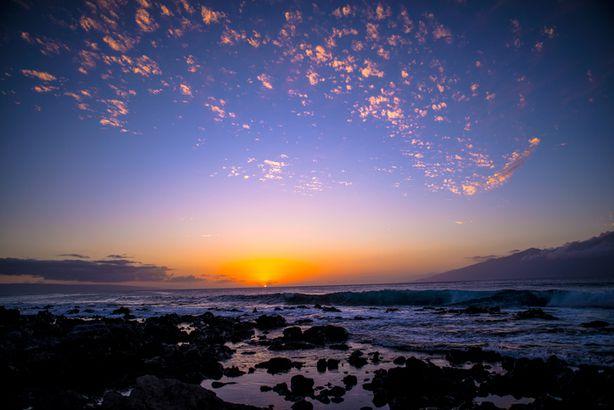Sunset between Lanai and Molokai