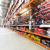 home_depot_vs_lowes_2500