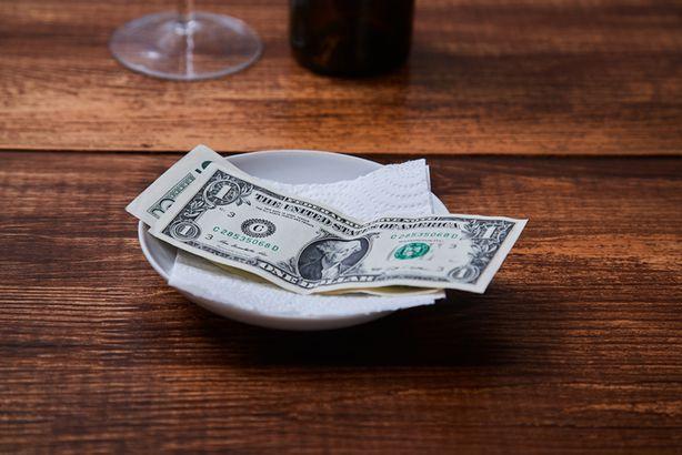 Leaving tip at restaurant