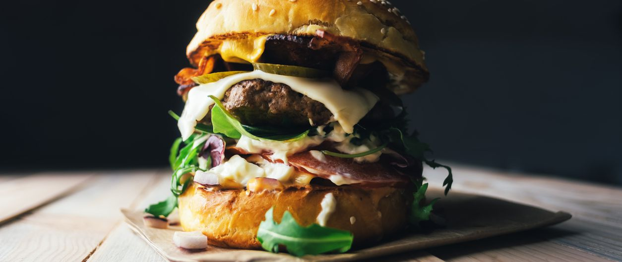 Best Burger Recipes From Celebrity Chefs Bobby Flay And More Cheapism Com