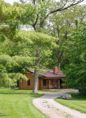 Illinois: Luxury Starved Rock Cabin
