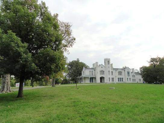 Loudon House