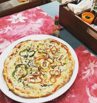 Mockba sardine pizza