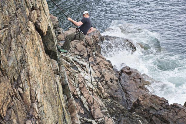 Otter Cliffs rapelling