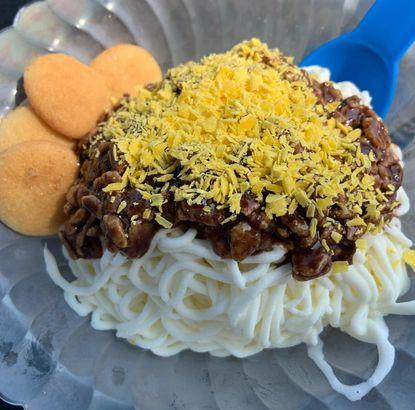 Eishaus' Spaghetti Ice Cream