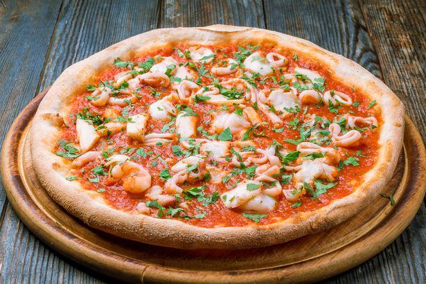 Squid and shrimp pizza