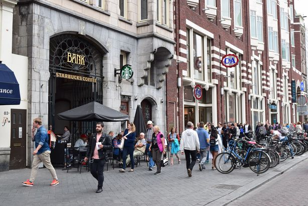 Starbucks: Amsterdam bank
