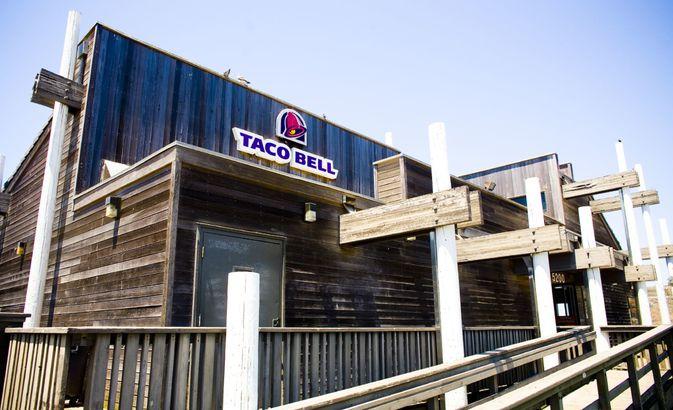 Taco Bello: Pacifica, California
