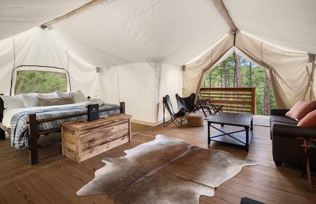 South Dakota: Under Canvas Mount Rushmore
